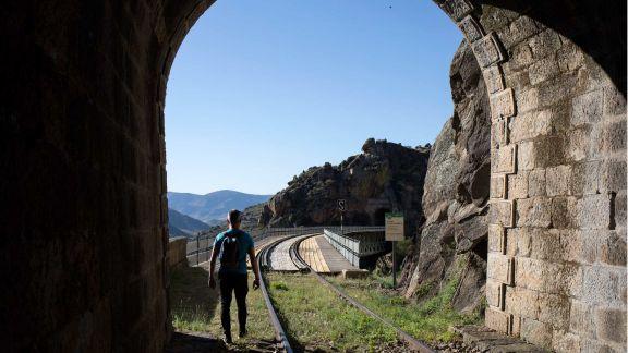 Ruta de túneles y puentes slide 1