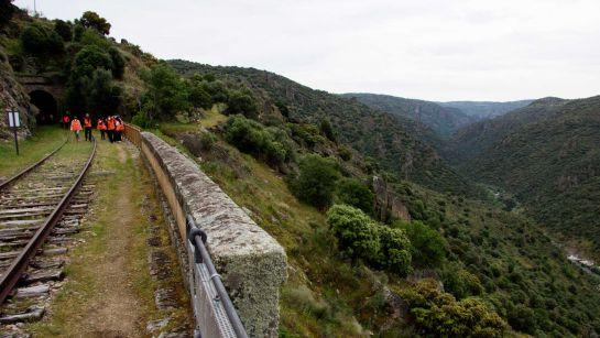 Del 15 de mayo al 15 de agosto el Camino de Hierro habilita el recorrido alternativo en el Túnel 3